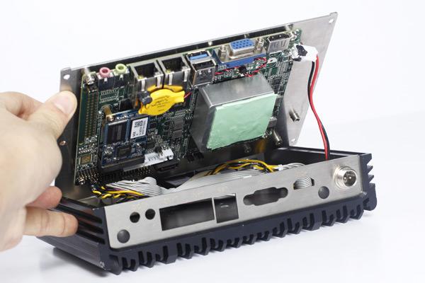 科拉德工业计算机组装内部散热结构