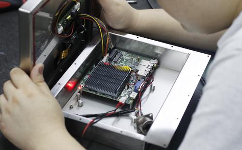 防水防腐蚀不锈钢外壳工业平板电脑研发