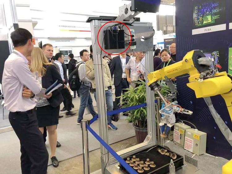 科拉德工控机应用于某展会机器人上